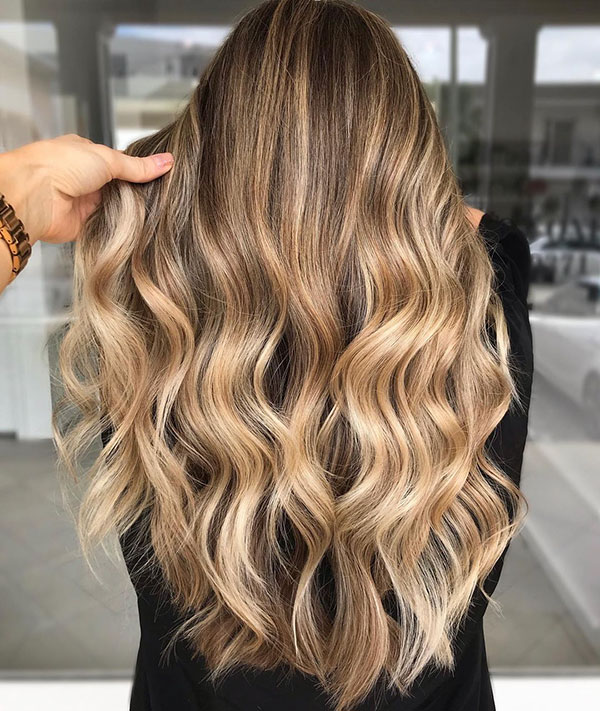 Long Wavy Hairstyles 2021